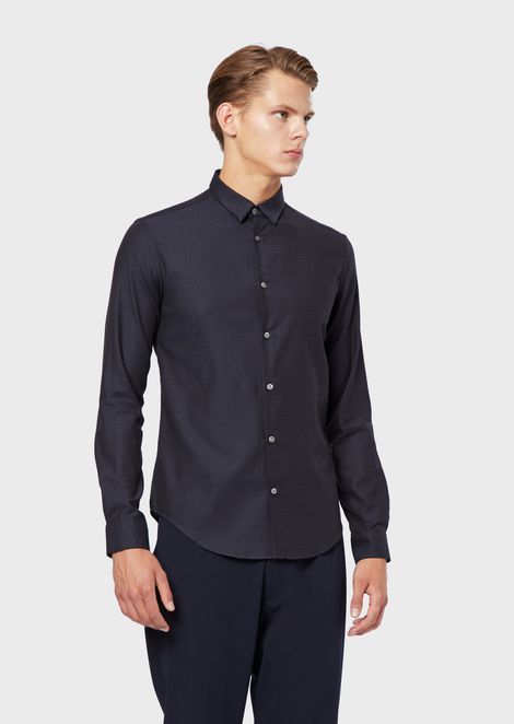Stretch shirt with dyed-thread jacquard pattern