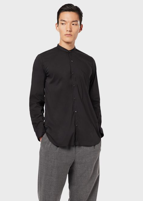 Camicia regular fit in tessuto stretch con collo guru