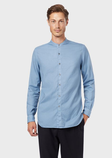 Camicia regular fit in tessuto armaturato tinto capo con collo guru