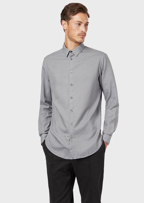 Classic slim-fit shirt made of exclusive micro-textured garment-dyed fabric