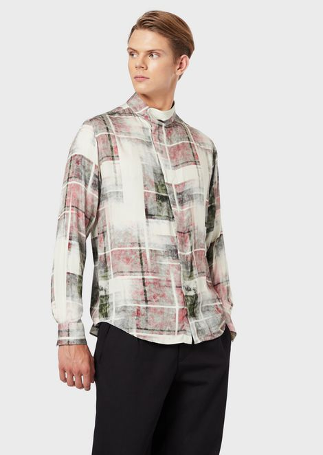 Printed shirt in viscose twill with mandarin collar