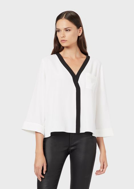 Cady blouse with V neckline and 3/4 sleeves
