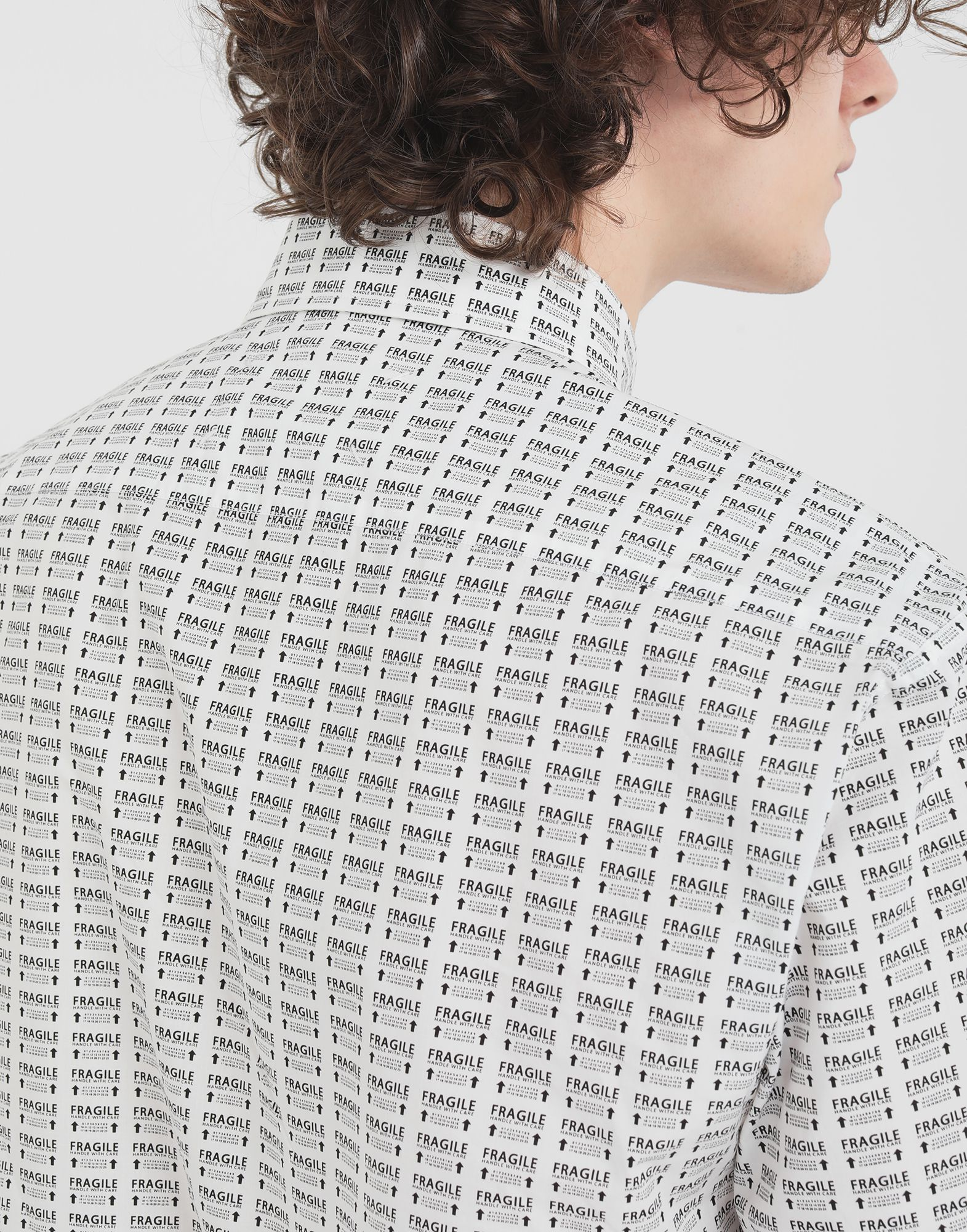 MAISON MARGIELA オールオーバー Fragileプリント シャツ 半袖シャツ メンズ b