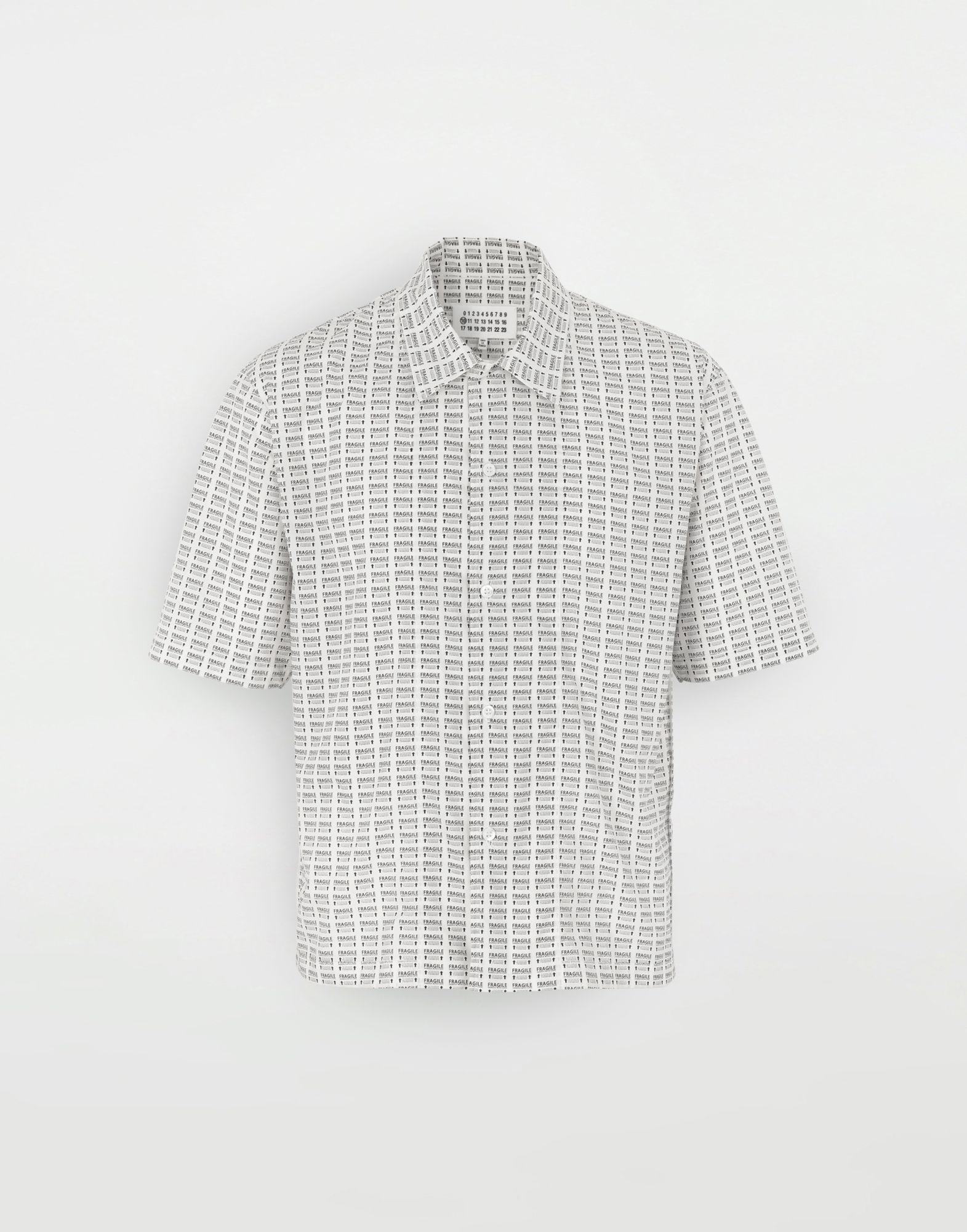 MAISON MARGIELA オールオーバー Fragileプリント シャツ 半袖シャツ メンズ f