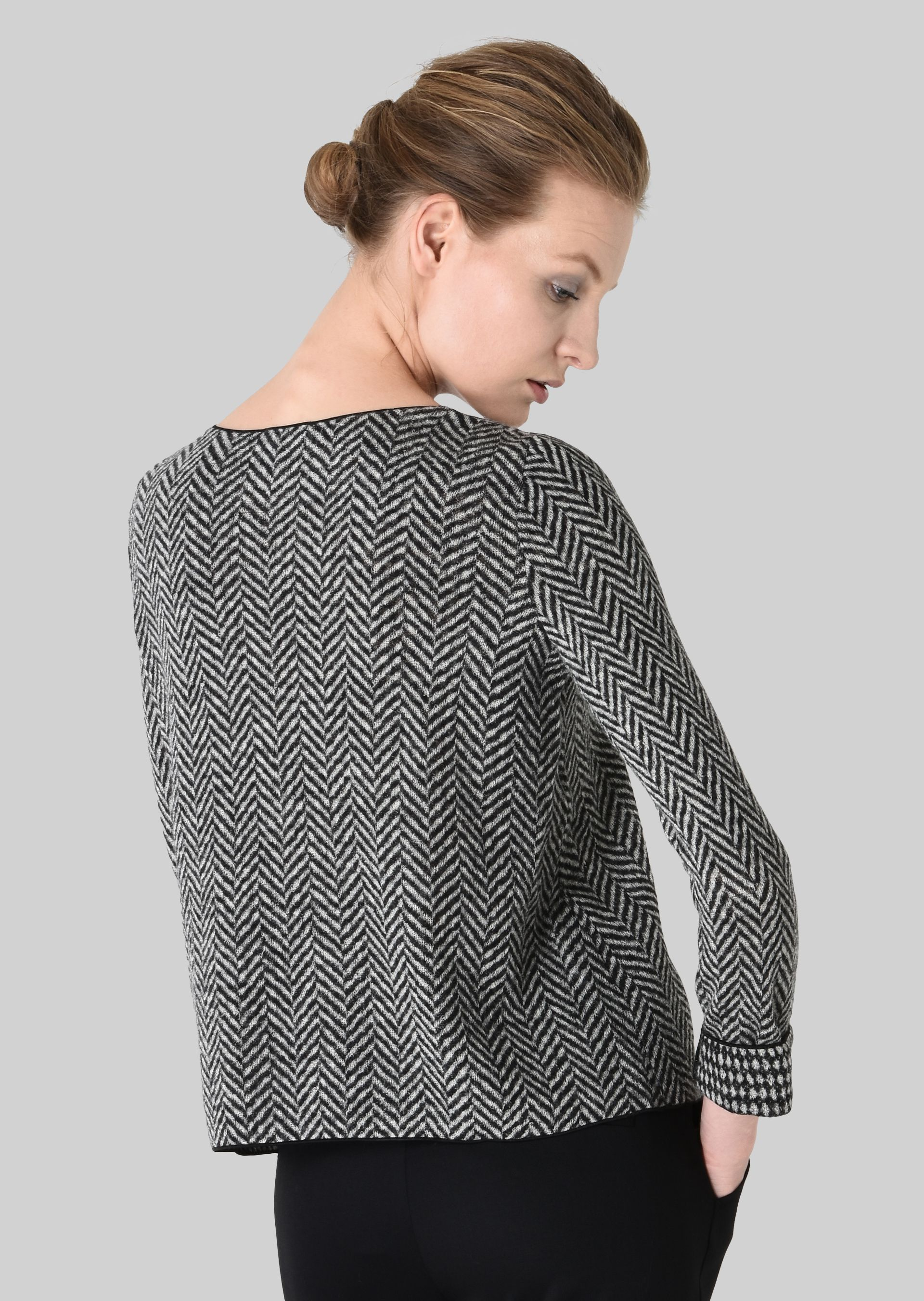 GIORGIO ARMANI REVERSIBLE WOOL SWEATER Knitted Top D e