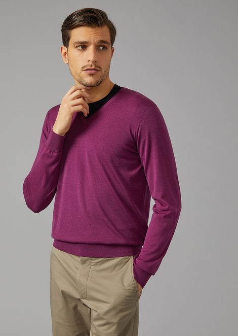 V neck sweater in virgin wool