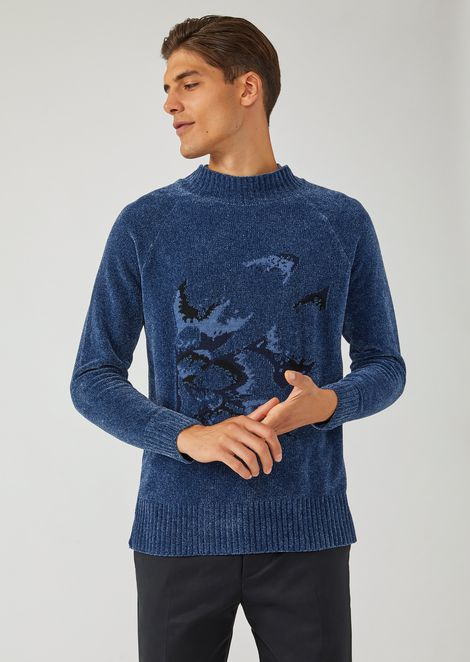 Sweater in chenille with placement intarsia