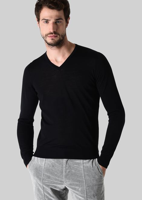 PURE WOOL V-NECK PULLOVER