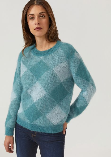 Sweater with shaded lozenge jacquard design