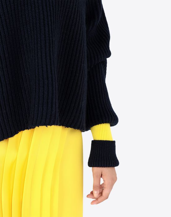MAISON MARGIELA Two-tone cropped knitted jumper V-neck [*** pickupInStoreShipping_info ***] b