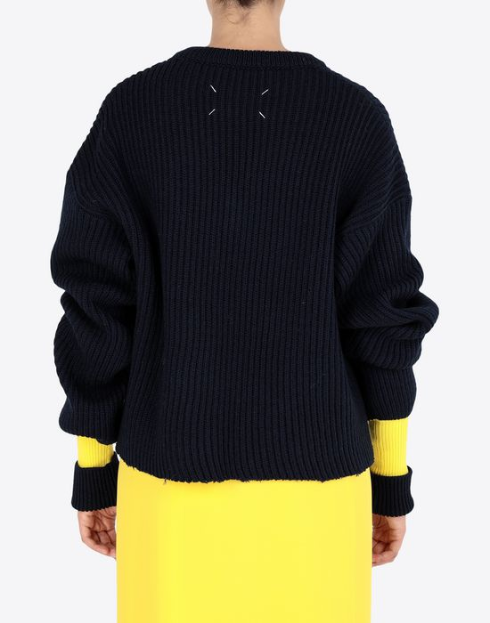 MAISON MARGIELA Two-tone cropped knitted jumper V-neck [*** pickupInStoreShipping_info ***] e