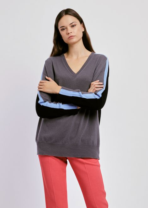 Pure cashmere plain knit sweater with V neck