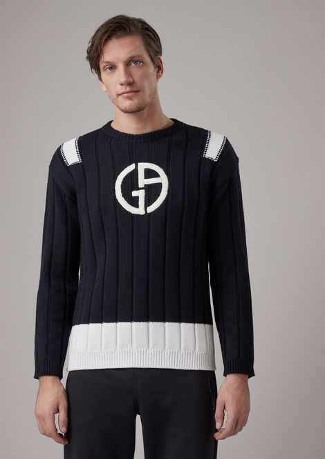 Sweater in virgin wool with thick ribbing and contrasting embroidered logo