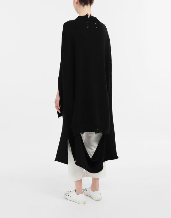 MAISON MARGIELA Décortiqué distressed knit cape Stole [*** pickupInStoreShipping_info ***] e