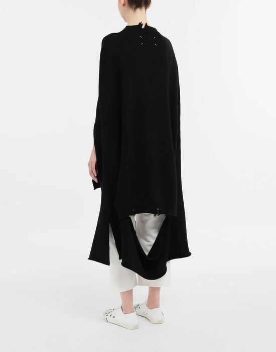 MAISON MARGIELA Décortiqué distressed knit cape ストール [*** pickupInStoreShipping_info ***] e