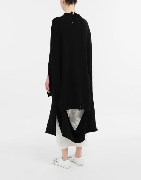 MAISON MARGIELA Décortiqué distressed knit cape Stole Woman e