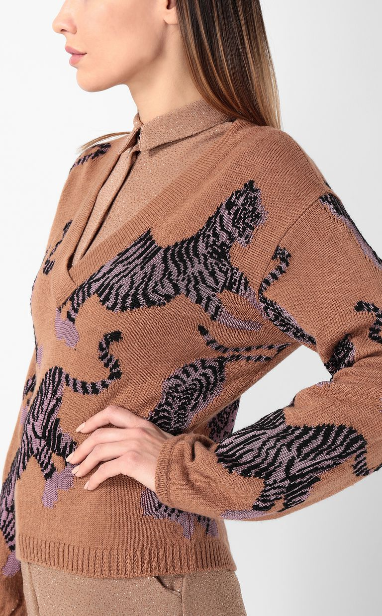 "JUST CAVALLI ""Chasing Tigers"" pullover V-neck Woman e"