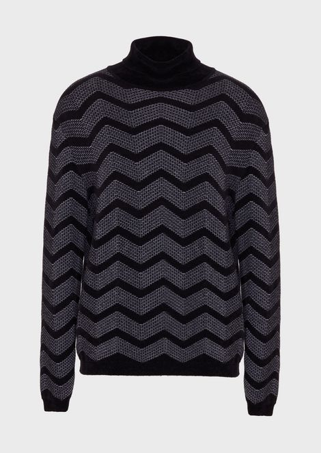 Chevron-patterned roll-neck sweater