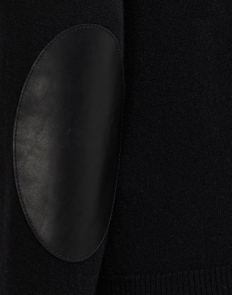 MAISON MARGIELA Cardigan mit Ellenbogenaufnähern aus Leder Strickjacke Herr b