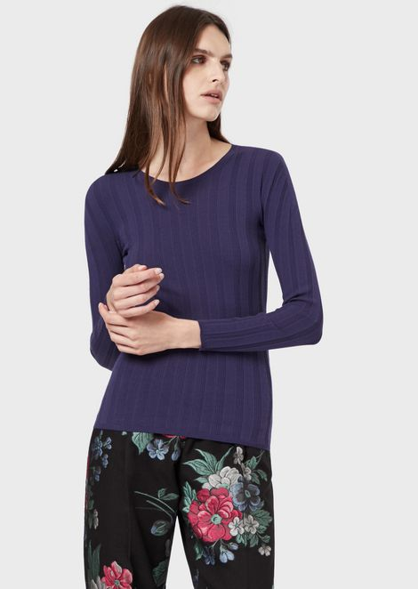 Irregularly ribbed jumper