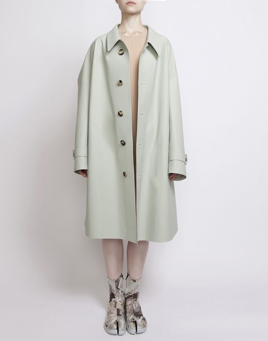 MAISON MARGIELA Look 1: Oversized Celadon Trench Coat D d