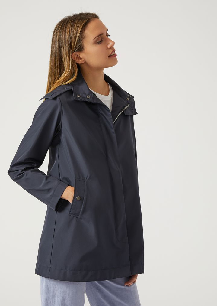 475bdfa0eab8 Hooded raincoat