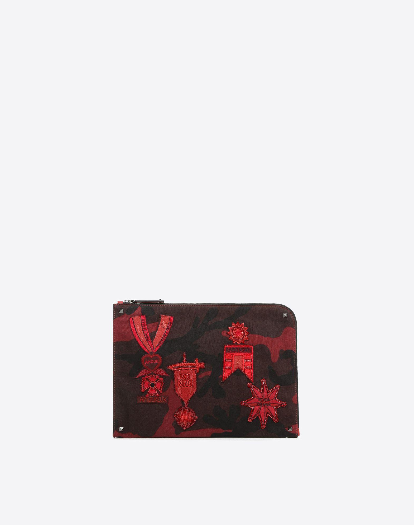 VALENTINO 华达呢 附品牌标志 钉珠 细节对比处理 拉链 内部口袋  41780229gc