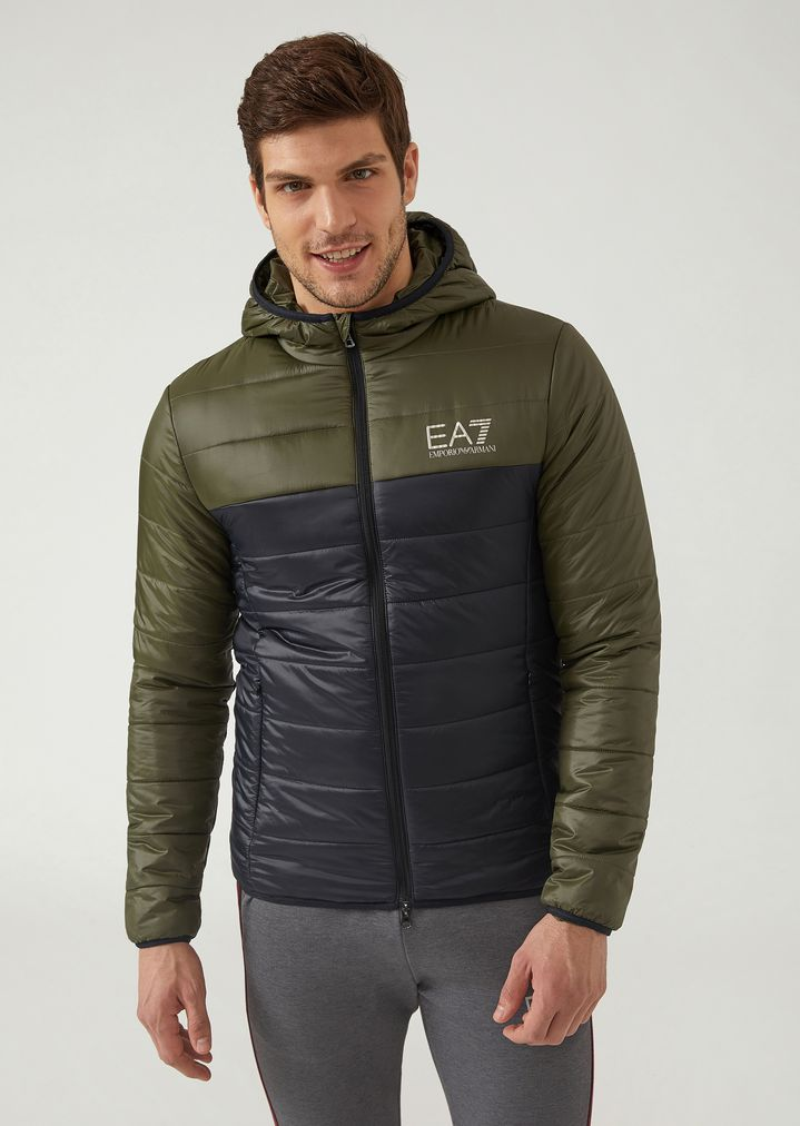 Veste rembourrée en tissu technique avec capuche et logo   Homme   Ea7 c5d9bb64936
