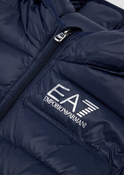 Quilted padded jacket in technical fabric with hood