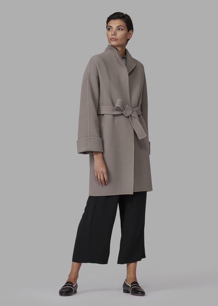 52f893459208 Manteau droit en laine vierge avec ceinture   Femme   Giorgio Armani