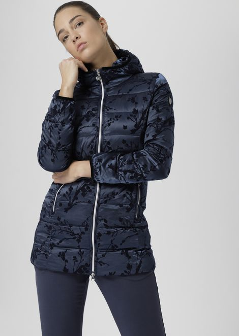 Windproof jacket with fabric hood and flock print