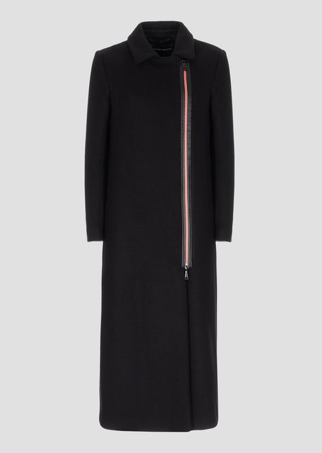 Coat in compact wool cloth with contrasting zip