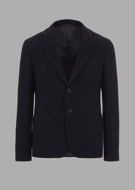 Slim-fit single-breasted jacket in plain-woven seersucker fabric