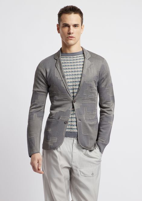 Single-breasted jacket in patterned jacquard knit