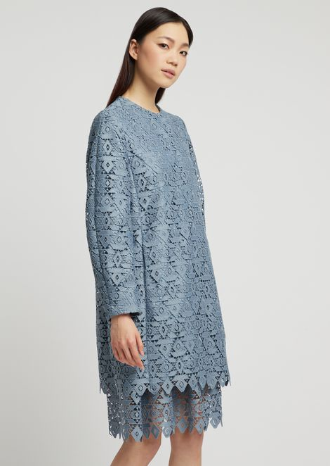 Duster coat in macramé with geometric design