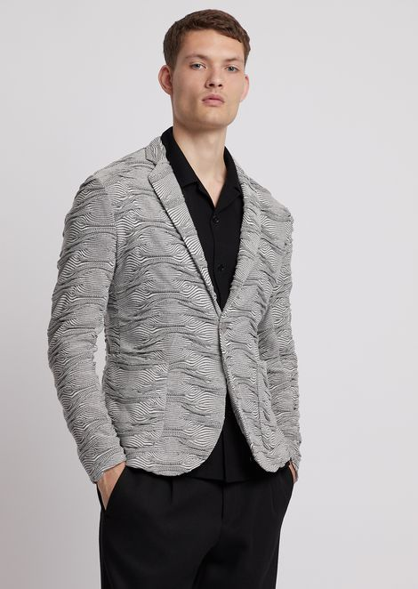 Single-breasted jacket in wave-motif jacquard knit