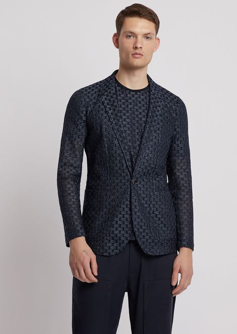 Single-breasted jacket in crinkle-effect fabric