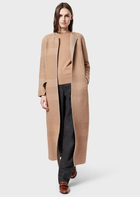 Coat in wool and cashmere jacquard with geometric motif