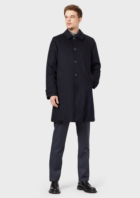 Water repellent cashmere coat with cashmere flakes padding