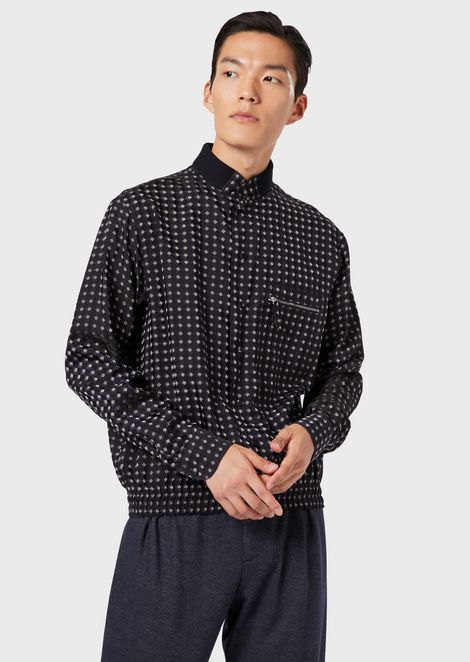Shirt in exclusive patterned fabric with elasticated hem