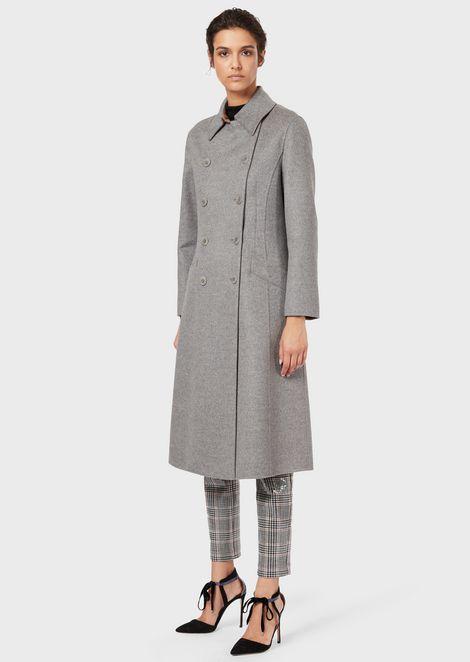 Zweireihiger Mantel aus Doppelgewebe in Wolle und Angora