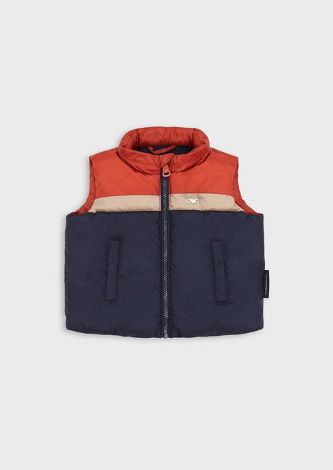 Sleeveless down jacket in ripstop nylon