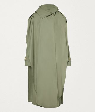 RAINCOAT IN NYLON