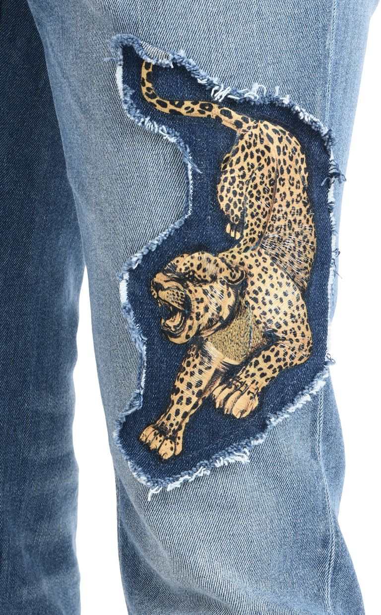 JUST CAVALLI Jeans with detailing and studs Jeans U e