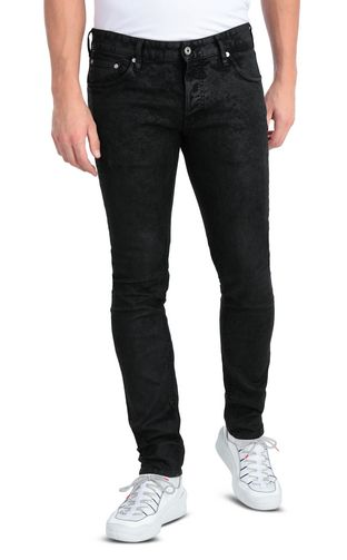 Classic black jeans with a Just Fit