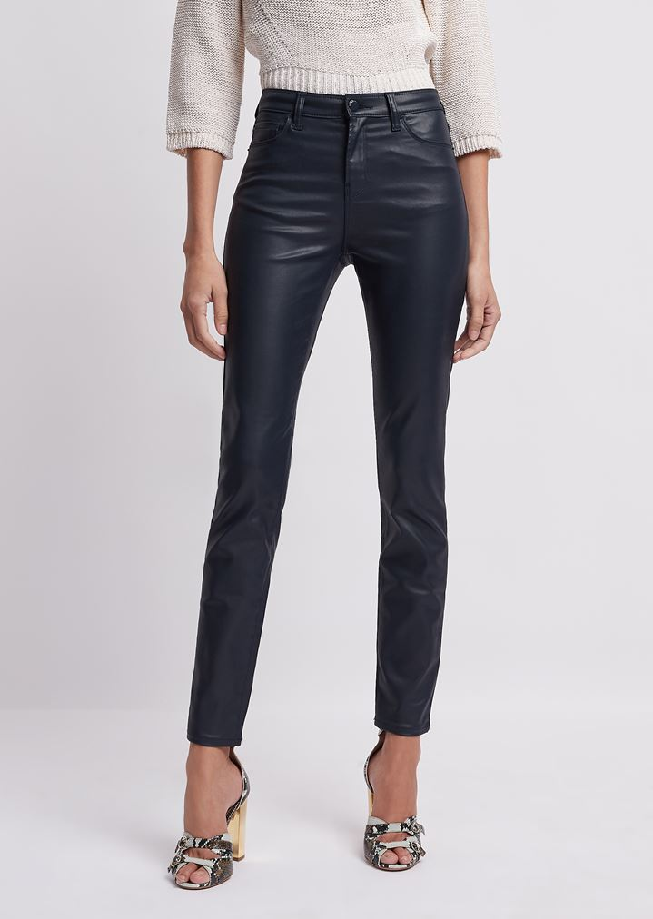 7785c71f5ba4 J20 – Super-Skinny-Jeans aus beschichtetem Gabardine