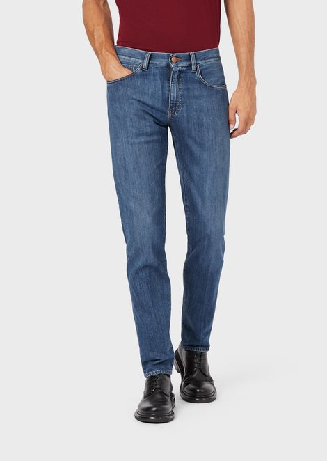Slim-fit tapered jeans in rinsed stretch denim