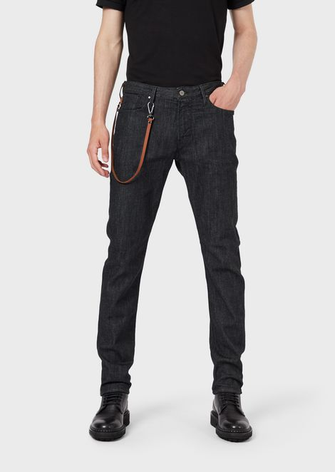 Jeans J06 coupe slim en denim rinse wash avec mousqueton