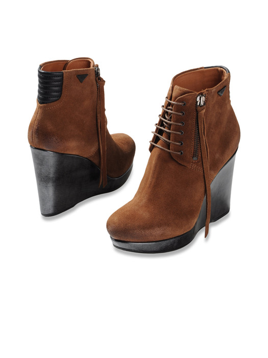 DIESEL DES-BOOT Dress Shoe D e