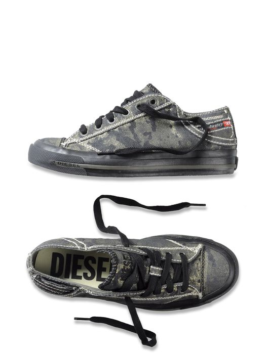 DIESEL EXPOSURE IV LOW W Casual Shoe D a